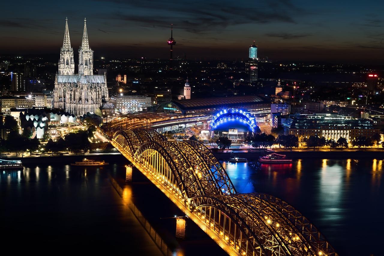 Cologne skyline night