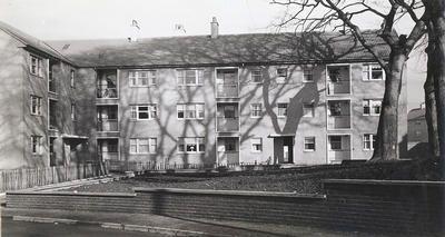 image_7_corporation_housing_at_duntarvie_quadrant_easterhouse_1959.jpg