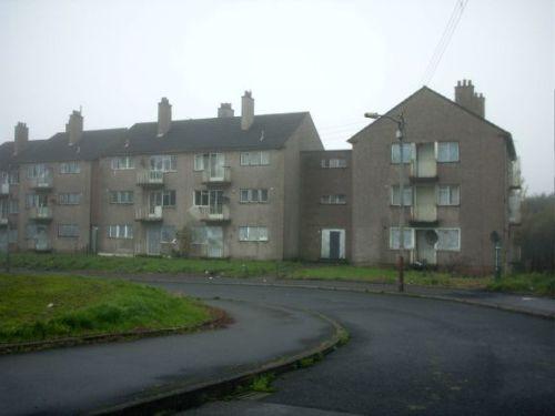 image_8_original_corporation_housing_now_derelict_in_lochend_road_easterhouse_september_2006.jpg