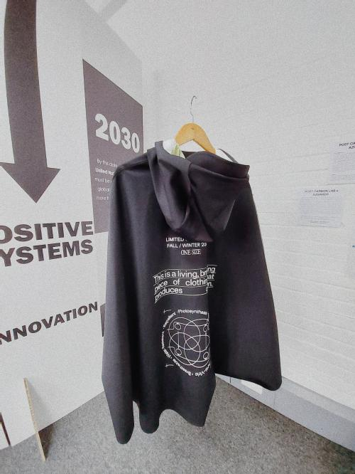 future clothes that can be breath