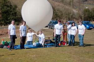 The Cubsat team with the balloon ready to launch
