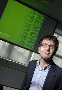 Dr Andrew Hoskins