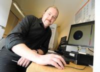 Phil Hurst from 3-Cs using the University of Warwick equipment supplied via Birmingham Science City