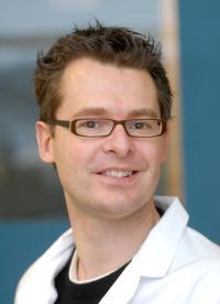 Dr Stefan Bon
