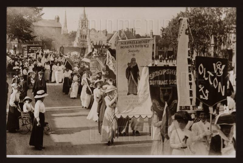 A suffrage march through Stratford on Avon in 1911