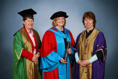 Dame Fiona Kendrick DBE receives her honorary degree.