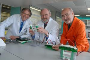 Professor Peter Sadler, Head of Chemistry at University of Warwick, Nobel Peace prize winning chemist Professor Robert H. Grubbs and Professor Stuart Palmer, University of Warwick, in the new £2.3 million chemistry labs