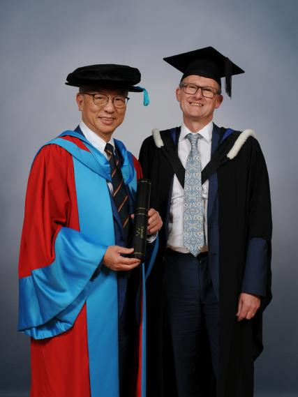 Professor Roy Chung (L) and Professor Dave Mullins