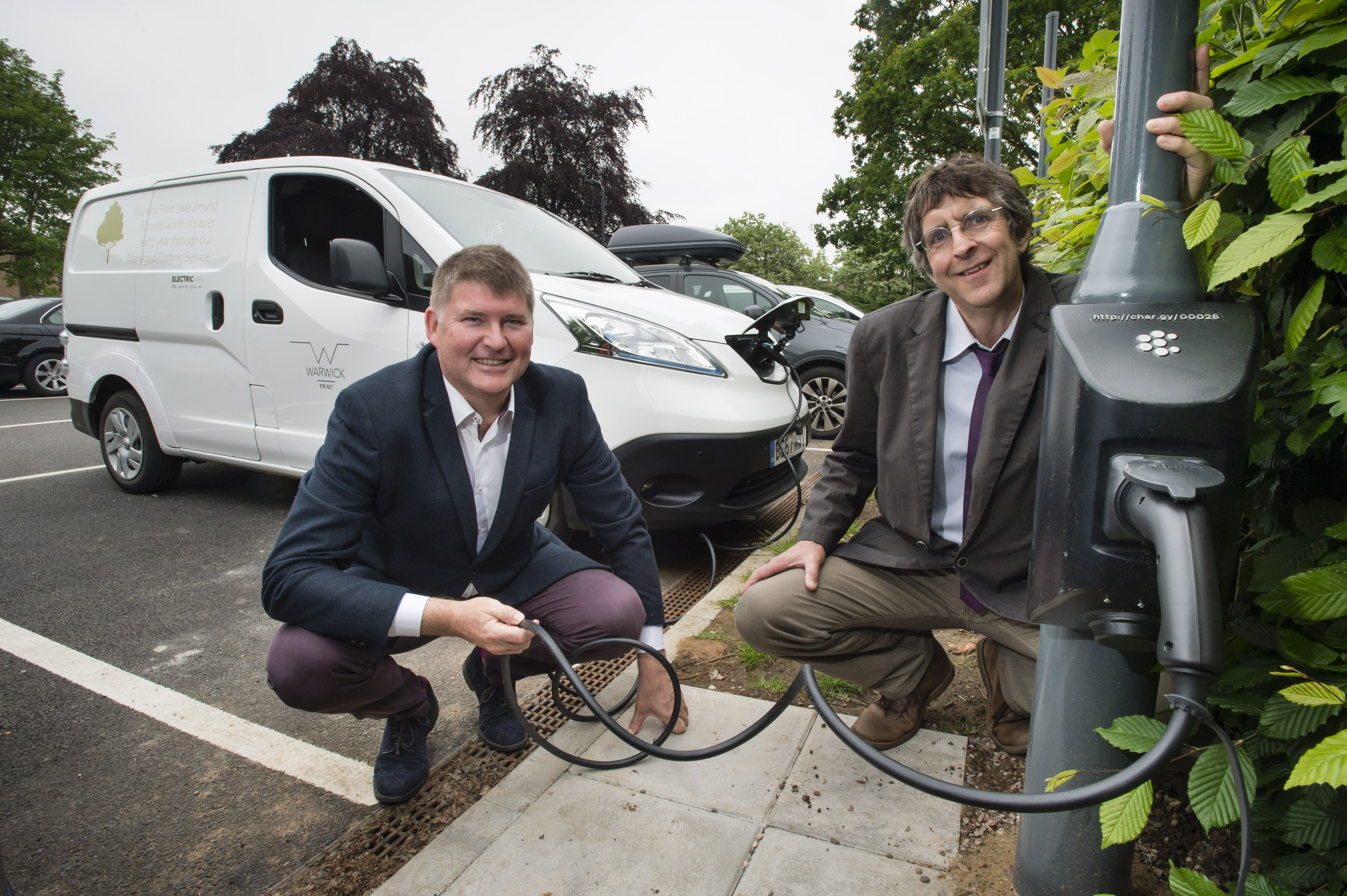 Lamppost EV charging points brought to market thanks to WMG