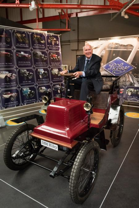 Victor Riley with Percy Riley's 1898 Voiturette