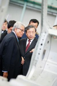 Professor Lord Bhattacharyya, WMG, with the Vice Premier of China His Excellency Ma Kai
