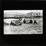 British soldiers with machine gun