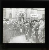 Surrender of the barracks of the 'Life Guard Ulans' to the Workers and Soldiers Council: banner - 'Brother do not shoot!'