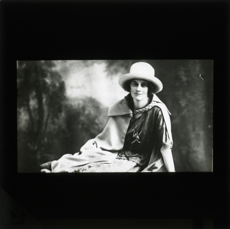 essay on countess markievicz The persuit of sovereignty and the impact of partition, 1912-49 key michael collins eamon de valera wt cosgrace countess markievicz richard dawson.