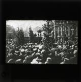 Lenin speaking to crowd