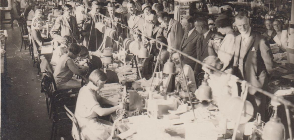 Photograph of textile workers in a factory, early 20th century