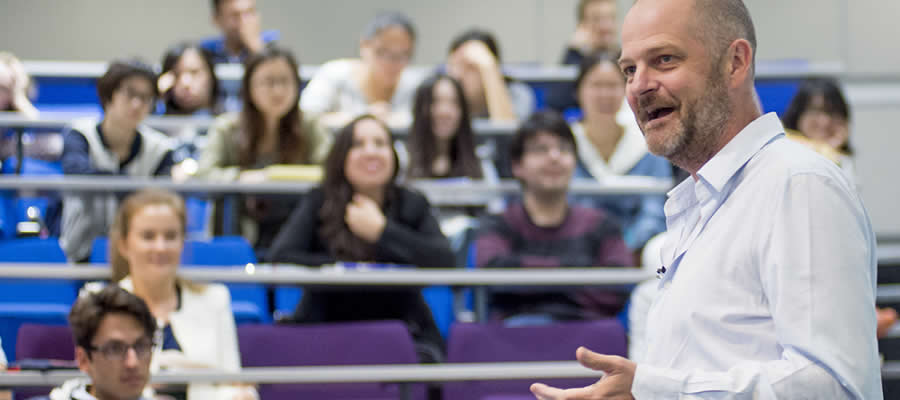 David Myatt guest lectures at Warwick Economics Summer School